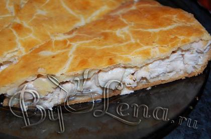 Пирог с куриными грудками и сметаной