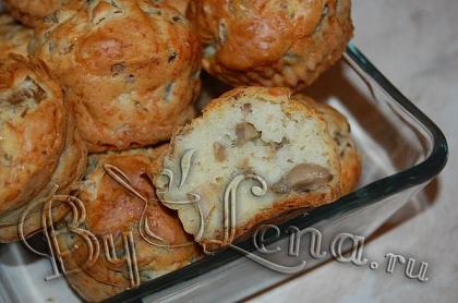 Закусочные маффины с грибами и сыром