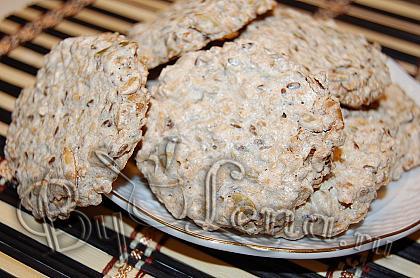 Хрустящее печенье, с семечками и овсянкой