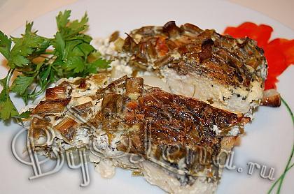 Запеченная рыба в сметане