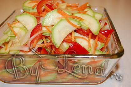 Маринованный салат с кабачками, по корейски