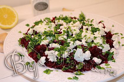 Салат из красной свеклы с Фетой