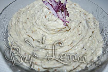 Салат из запеченных баклажанов