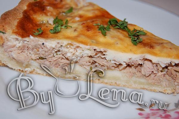 Пирог с консервированной рыбой рецепт фото